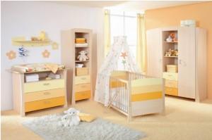 1-nursery-girls-bedroom-3-700x466