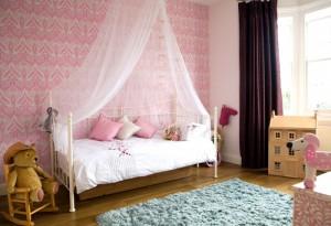 2-little-girls-bedroom-5-700x479