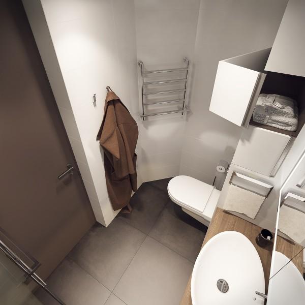 white-bathroom1-600x600